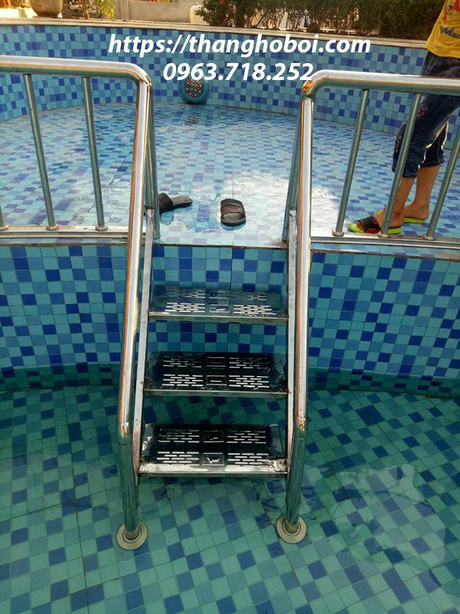 thang hồ bơi
